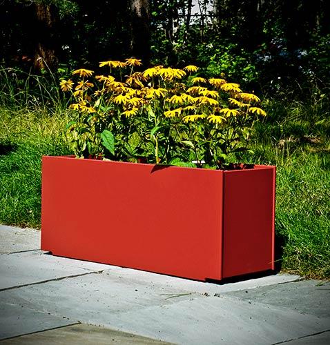 planter_mondo_triple_red.jpg