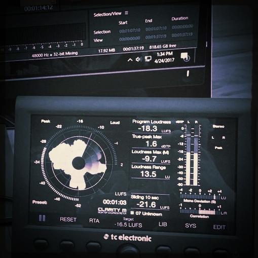 Produire un contenu de la meilleure qualité - La qualité sonore est essentielle pour un podcast car les auditeurs vont souvent vous écouter dans des environnements bruyants.Nous produisons des contenus pour les marques depuis 30 ans (TV, radio, cinéma, web...), dans de véritables studios d'enregistrement professionnels.Le son c'est un métier, ça ne s'improvise pas.