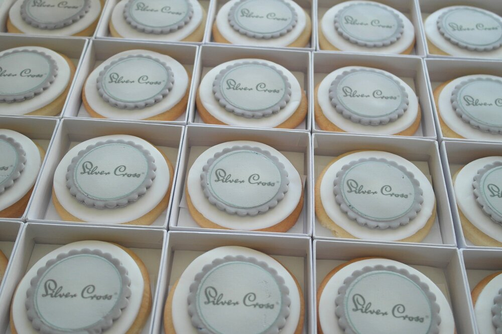 logo biscuits silver cross.jpg