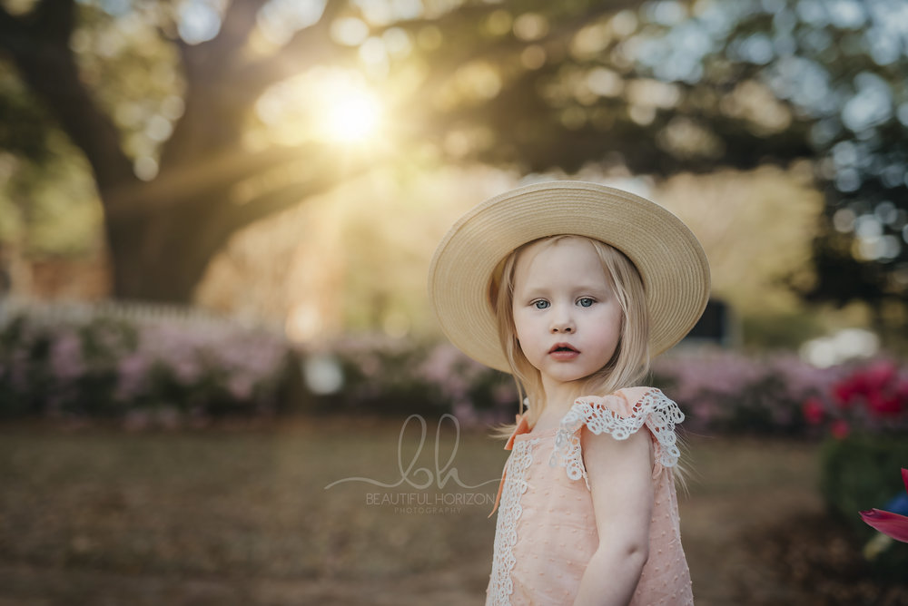 2018 Spring Mini Sessions. Tuscaloosa Lifestyle Portrait Photographer. © Beautiful Horizon Photography.