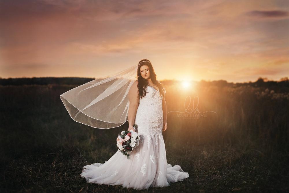 © BEAUTIFUL HORIZON PHOTOGRAPHY. Tuscaloosa AL Bridal and Wedding Portrait Photographer.