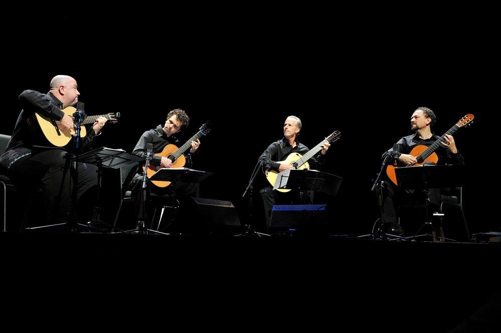 LA Guitar Quartet live