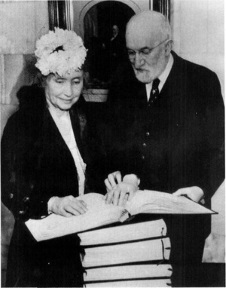 Helen Keller and Heber J. Grant.jpg