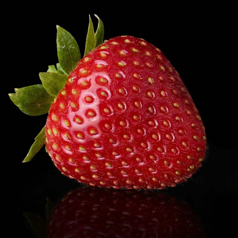 Red_Strawberry_Shot_36_Pathed_1123.jpg
