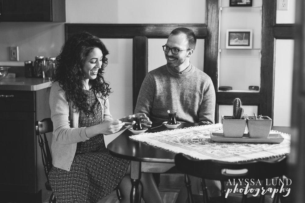 Minneapolis-lifestyle-engagement-portraits-13.jpg