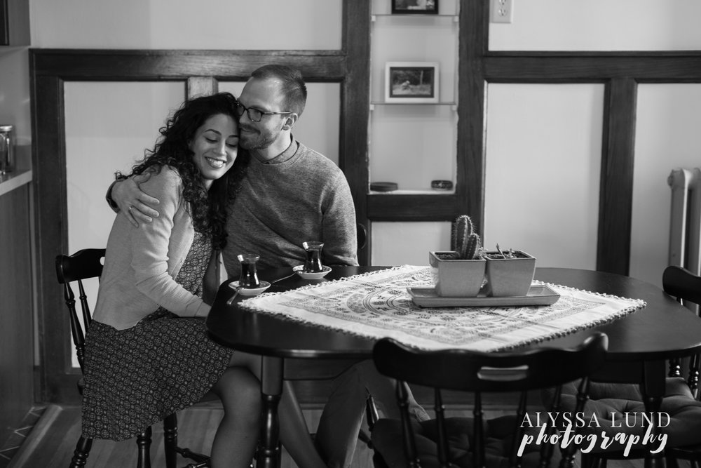 Minneapolis-lifestyle-engagement-portraits-14.jpg