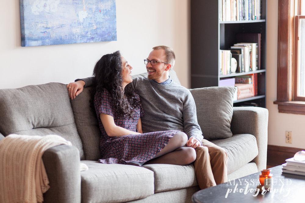 Minneapolis-lifestyle-engagement-portraits-17.jpg