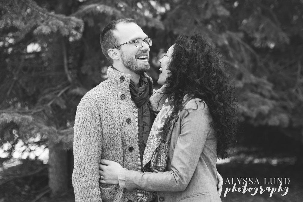 Minneapolis-lifestyle-engagement-portraits-23.jpg