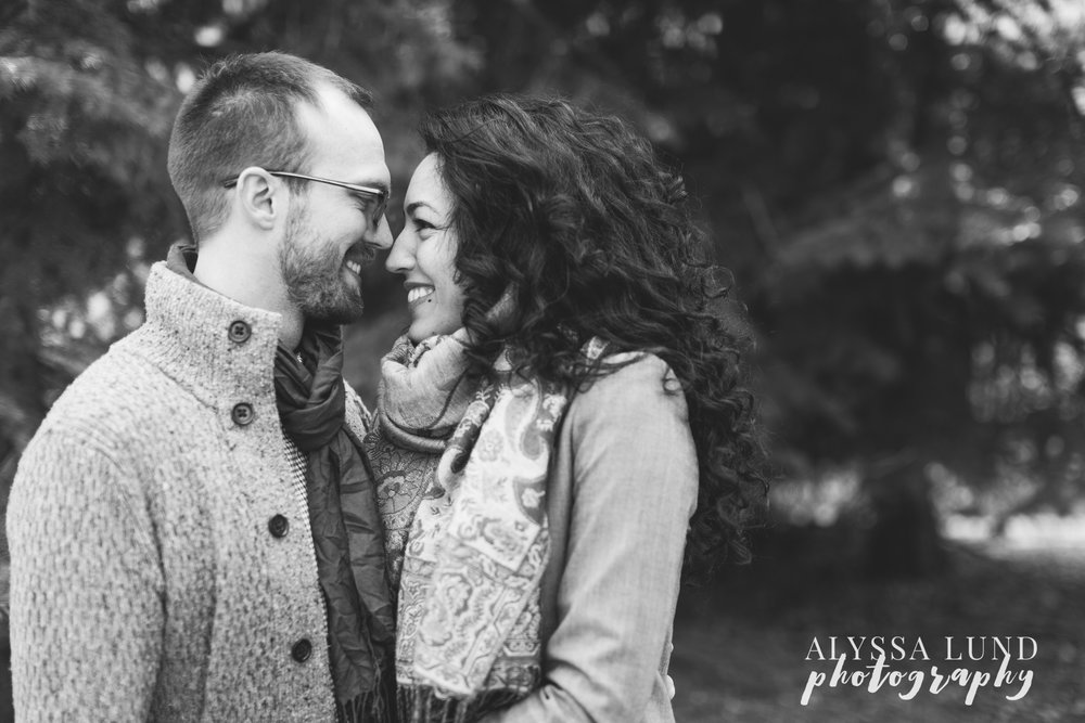 Minneapolis-lifestyle-engagement-portraits-26.jpg
