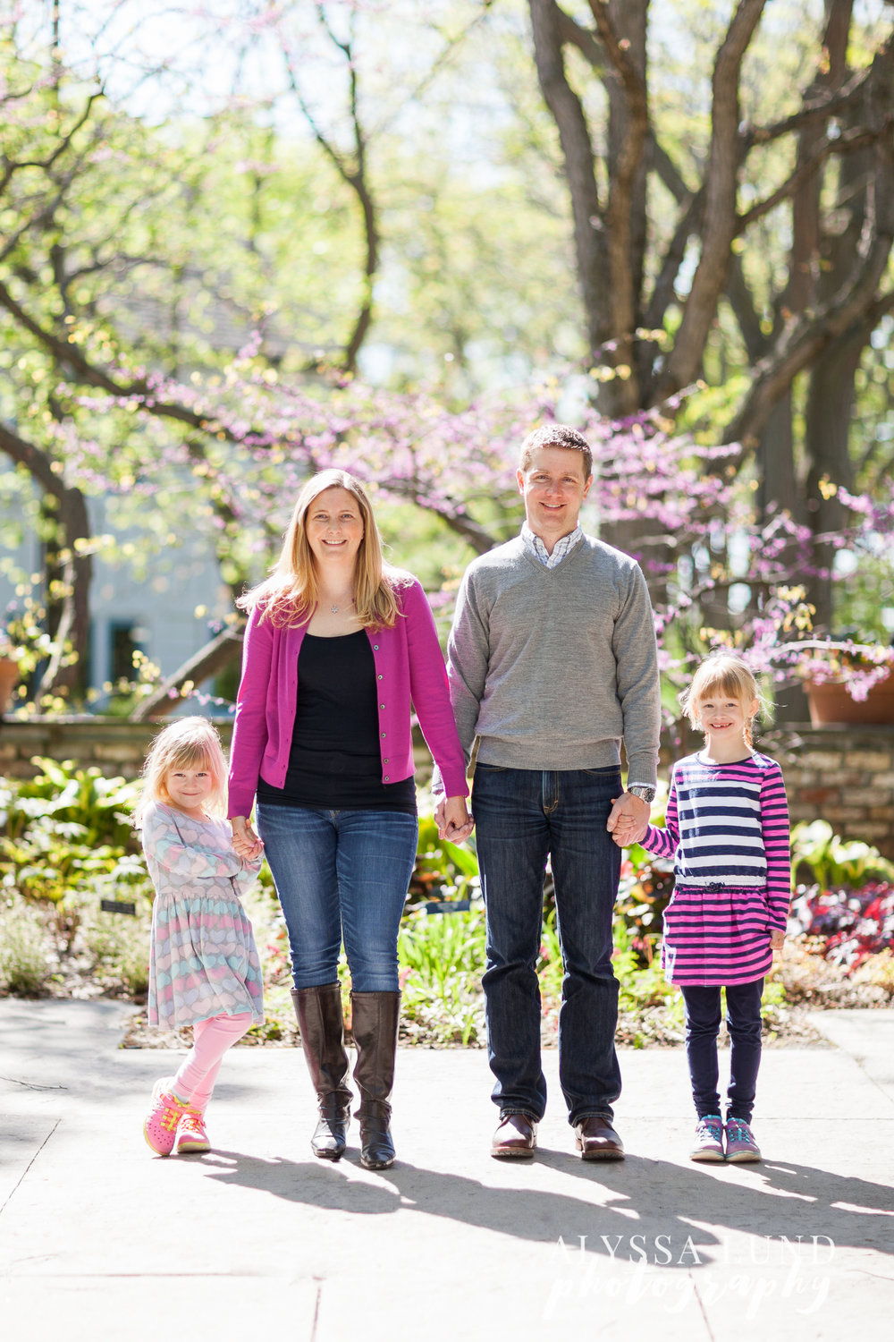 Minneapolis-Engagement-Session-with-Daughters-8