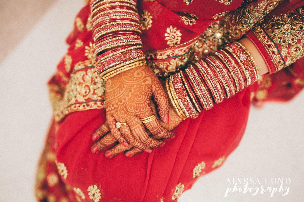 Minneapolis Hindu Wedding henna and jewelry