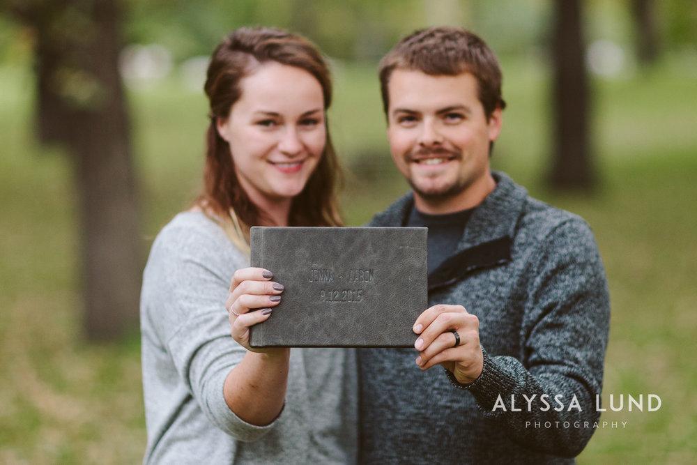 How to create a wedding album