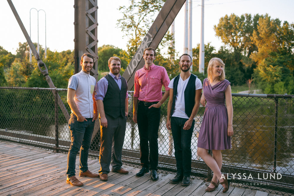 Minneapolis Creative Wedding Party Photos-12