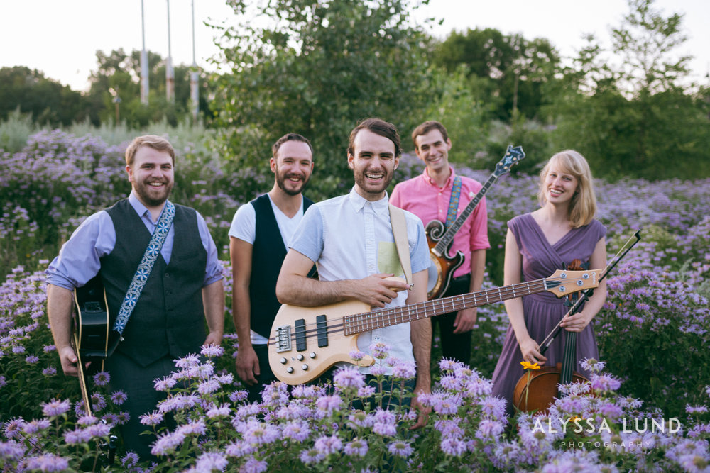 Minneapolis Creative Wedding Party Photos-13