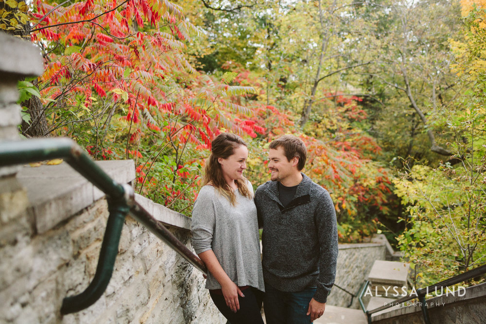 couple portraits at Minnehaha Falls-01