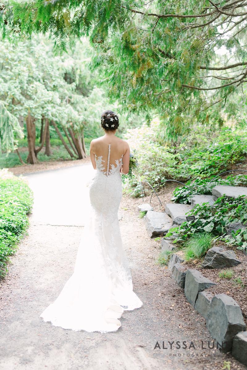 Minnesota Arboretum Wedding Photography by Alyssa Lund Photography-16.jpg