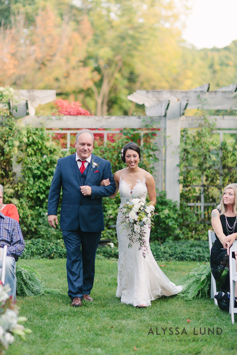 Minnesota Arboretum Wedding Photography by Alyssa Lund Photography-46.jpg
