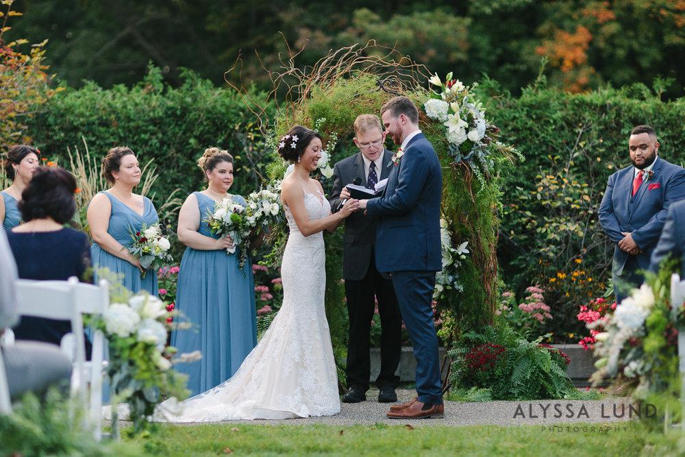 Minnesota Arboretum Wedding Photography by Alyssa Lund Photography-53.jpg