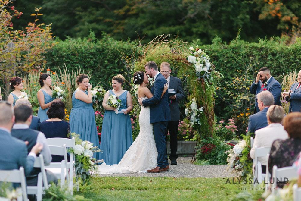 Minnesota Arboretum Wedding Photography by Alyssa Lund Photography-55.jpg