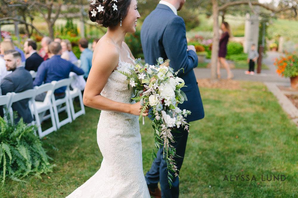 Minnesota Arboretum Wedding Photography by Alyssa Lund Photography-57.jpg