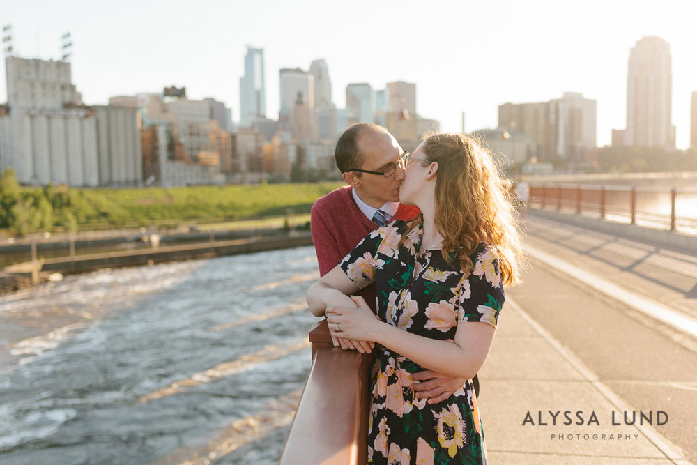 Stone Arch Bridge Engagement Session by Alyssa Lund Photography-04.jpg