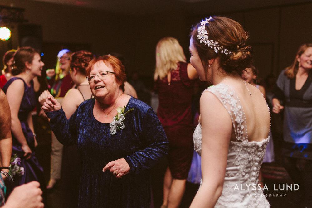 Twin Cities Wedding Photographer-44.jpg