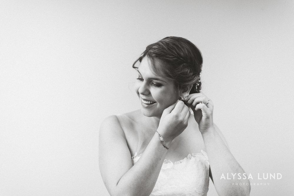 Emily Ian DIY Wedding at the Minneapolis Campus Club-05.jpg