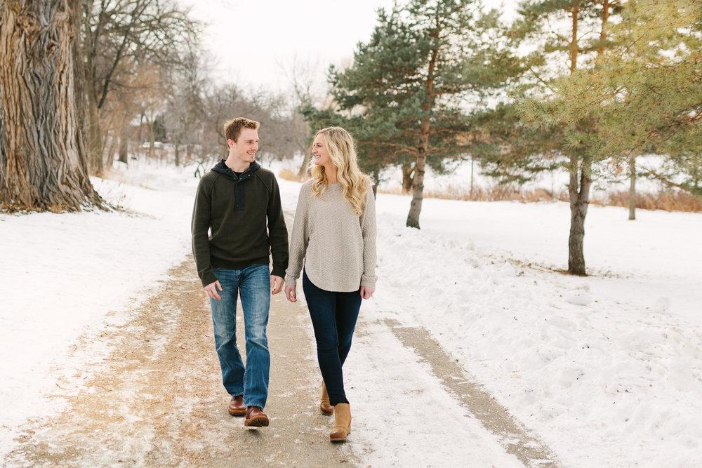 Hannah Matt winter engagement-03.jpg