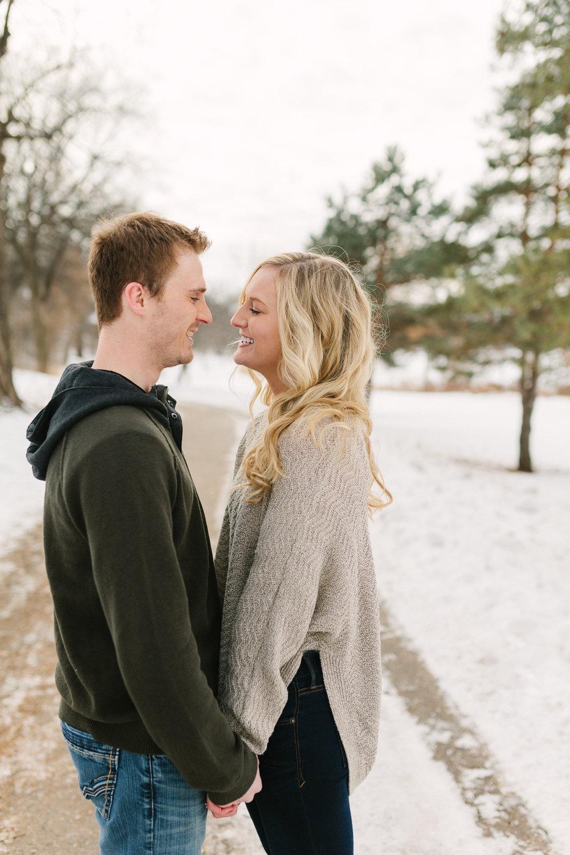 Hannah Matt winter engagement-08.jpg