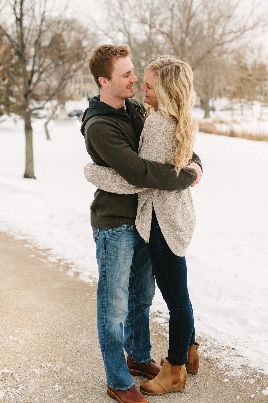 Hannah Matt winter engagement-24.jpg