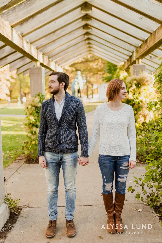Fall couple photo ideas in Minneapolis-6.jpg