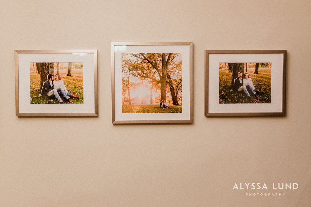 Fall couple photo ideas in Minneapolis.jpg