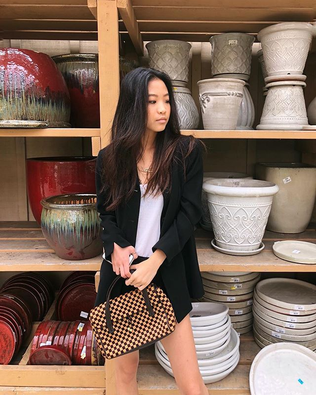 Tb to when I drove 40 min to see the flower field but it was closed so I looked at pots instead 🤷🏻‍♀️ . . . @louisvuitton #lastreetstyle #nyfwstreetstyle #losangelesblogger #gettingsomewhere #blogwithme #nyfw2018 #collegefashionista #collegefashion #womenstreetstyle #socalstyle #newyorkstreetstyle #nycbloggers #newyorkfashion #springfashion #livelovebeauty #wfb #ootdsubmit #closetjunkie #socalblogger #ootdpage #newyorkfashion #sdblogger #phillyblogger #sandiegoblogger #springfashion #cfashionista #ootdsunday #businesscasual #ootw #pfw2018 #designerbag #suitjacket