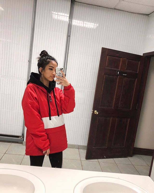 Marshmallow season 💕 and no I don't work at EY . . . . . . @kithwomen #wiwtoday #gettingsomewhere #blogwithme #lookbook #fblogger #collegefashionista #collegefashion #fashionblog #allstreetwear #kithwomen #womenstreetstyle #minimaliststyle #amazonhome #newyorkstreetstyle #nycbloggers #newyorkfashion #winteroutfit #livelovebeauty #charlesriverapparel #wfb #ootdsubmit #kithnyc #closetjunkie #fashionforward #fashiondiary #ootdpage #nyfw2018 #newyorkfashion