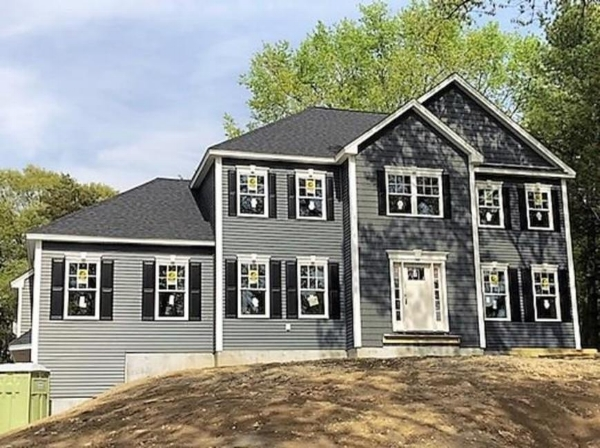Brand New Construction with 4 br/3 bath on large private lot close to schools and shopping.