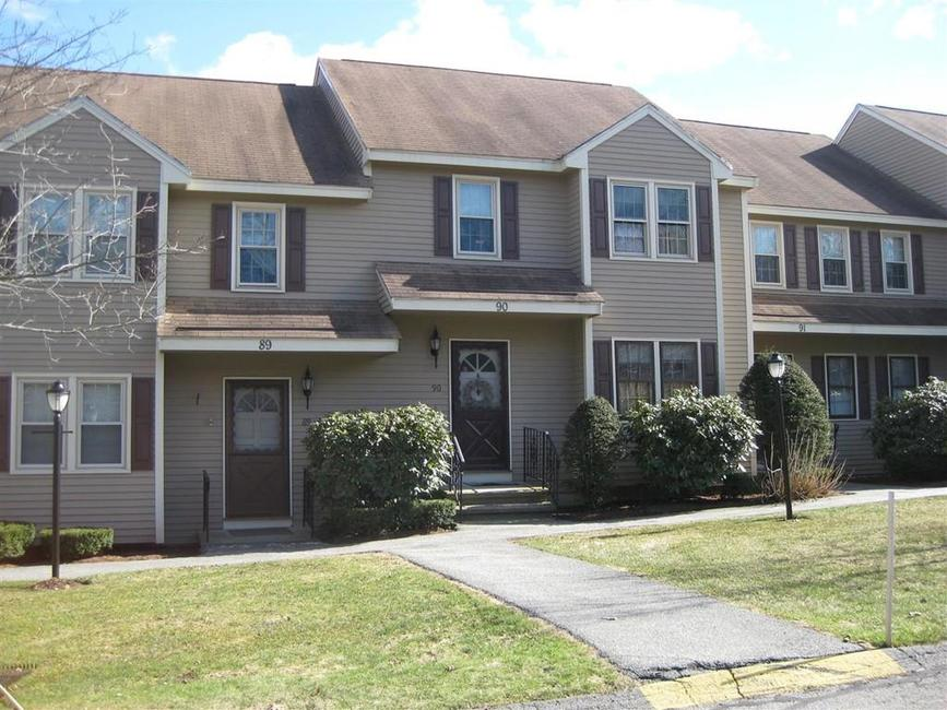 45 Washington Dr. #90 Methuen - This meticulously maintained garden style condo is located in the sought after Royal Oaks Complex and features an open concept living room and dining room with newly installed hardwood floors and sliders which lead to a good size balcony. $259,900