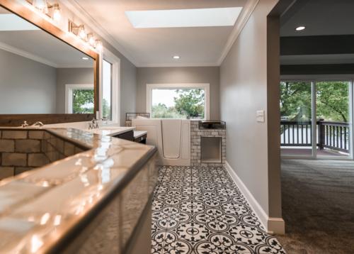 PH_Design_and_construction_lakehouse_remodel_custom_bathroom