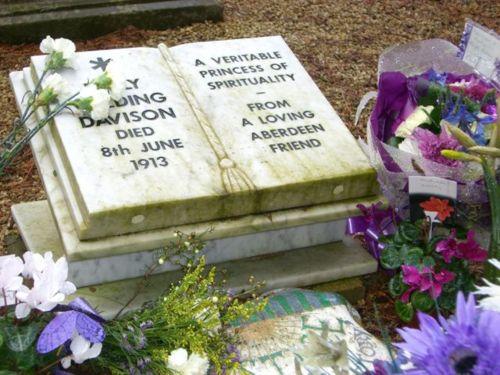 Memorial to Emily Davison