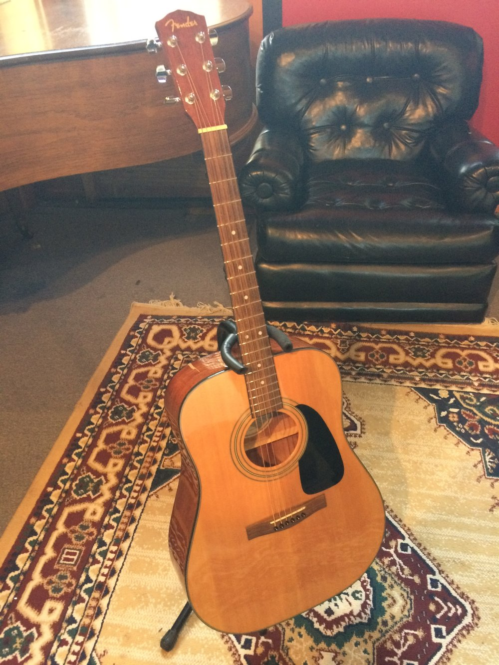 Fender Classical Guitar  $125