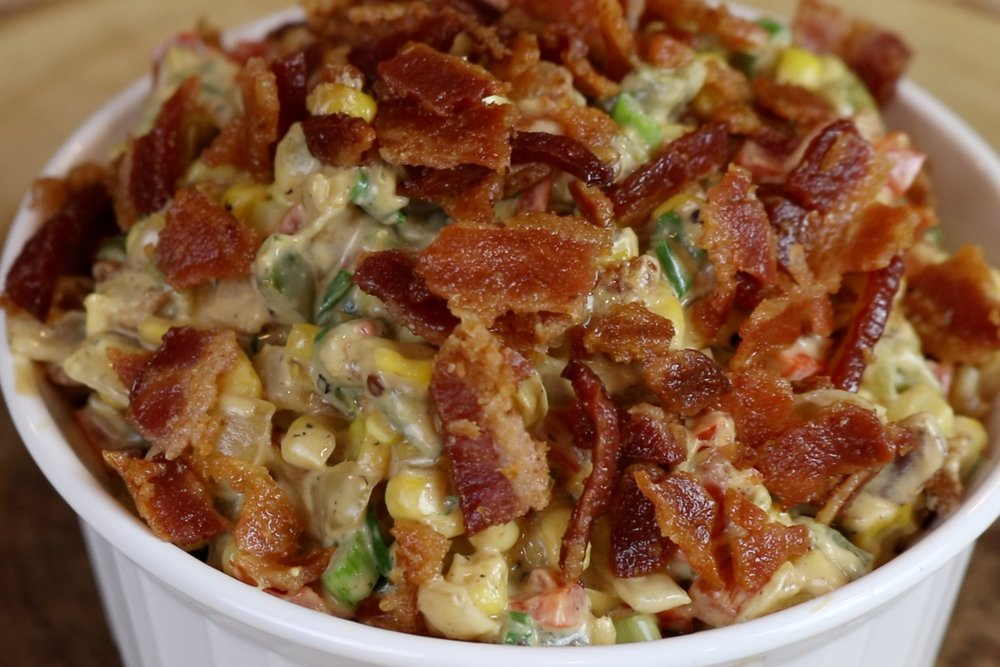 10. Sprinkle crushed bacon on top and serve immediately. -