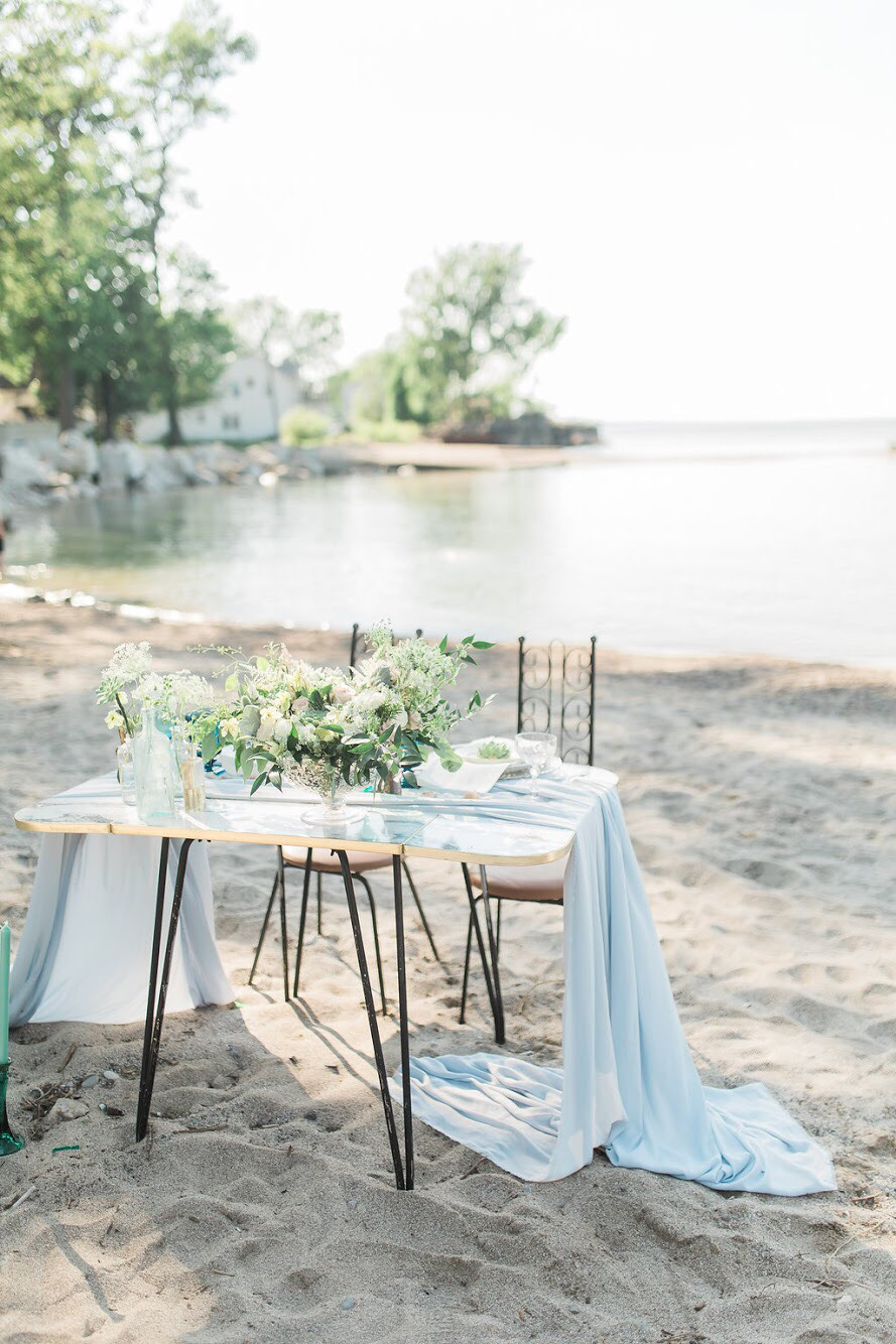 An example of a beautiful styled shoot Crystal created. Shot by  http://www.savannahwardphotography.com/