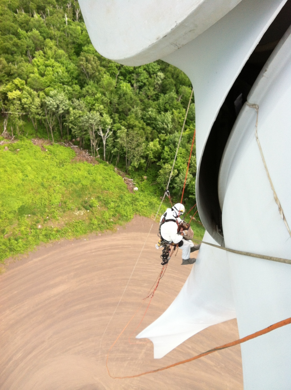 SATS' technicians providing access solutions on wind turbine repairs.