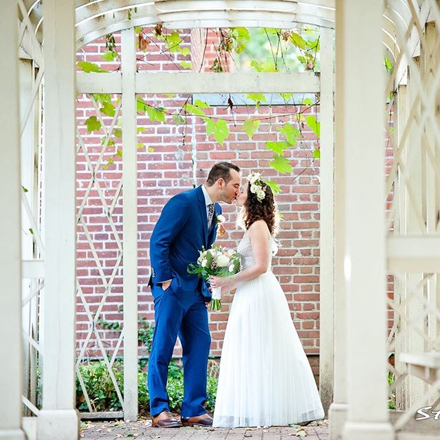 When you've just been #married at one of the most historic sites in the country. 📷: @snfoto