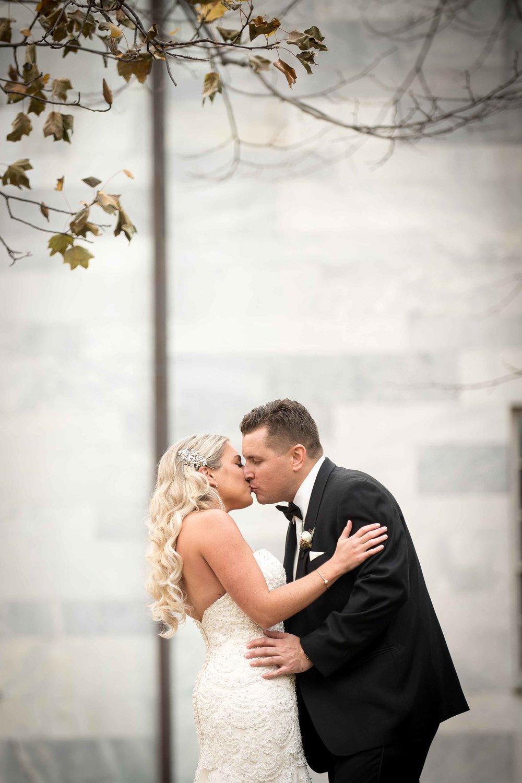 curtis-atrium-wedding-philadelphia-christine-charles-20.jpg