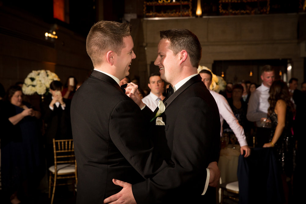 union-trust-philadelphia-same-sex-lgbt-wedding-zachary-andrew-events