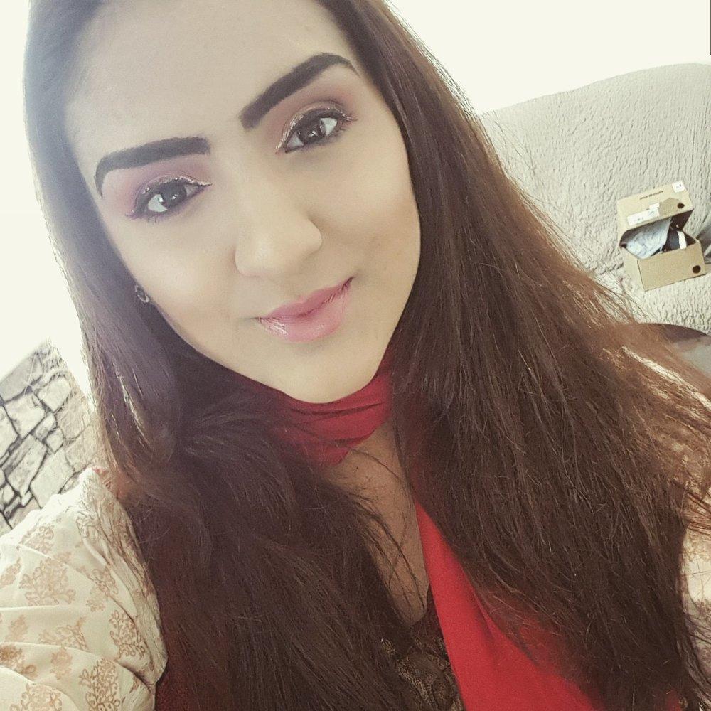 Komal Haroon - Social Media Assistant & Admin