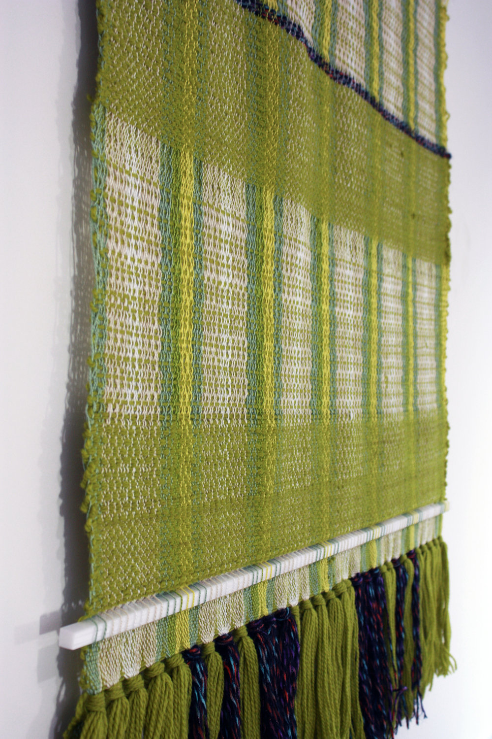 Tapestry with mixed yarns and plastic rods, side view 2017