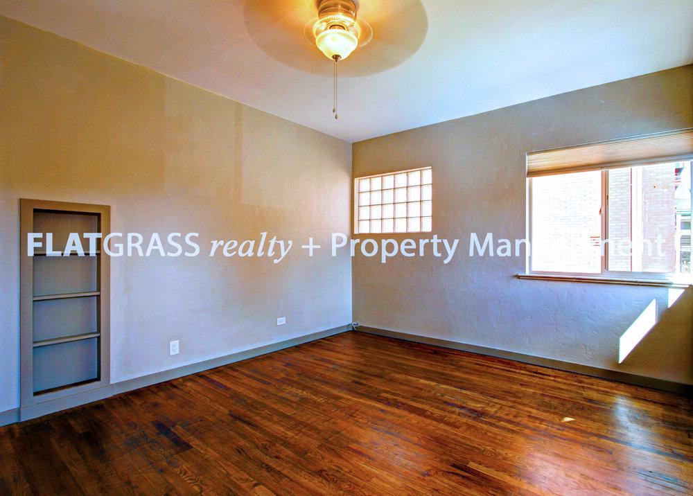 1 Living Room 1.jpg