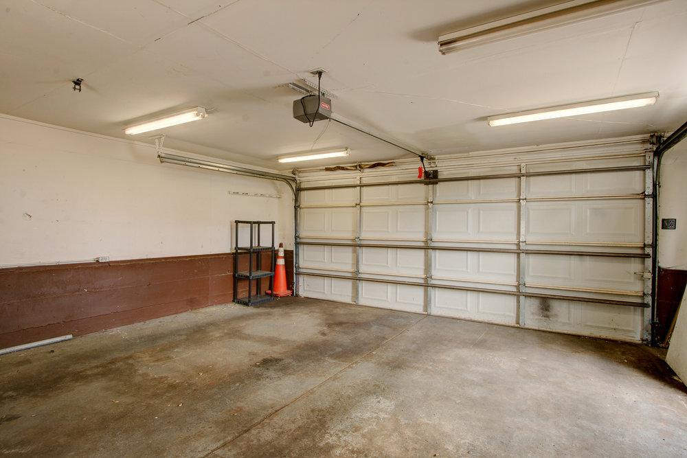 Y Garage.jpg