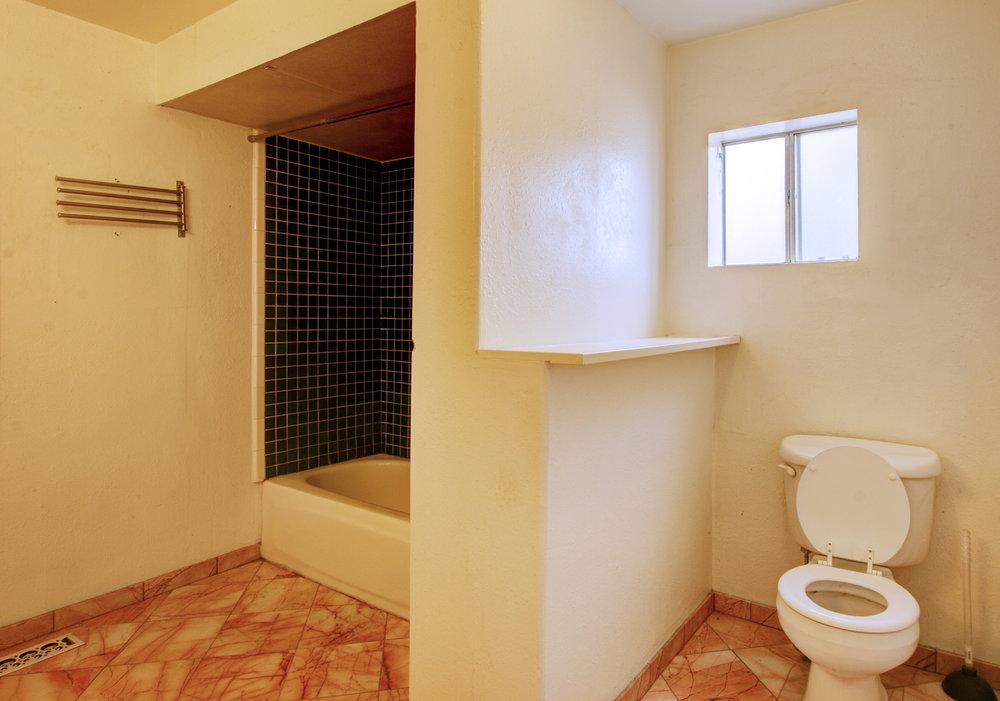 N Bathroom.jpg